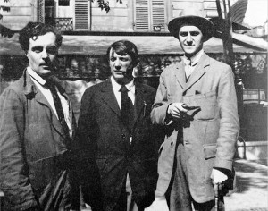 Picasso (centre): pipe smoker but not an asshole. Amadeo Modigliani, Picasso and André Salmon, Montparnasse, 1916. Photograph: Jean Cocteau/Wiki Commons
